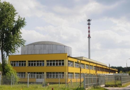 """НЗХК изработи първата партида серийни топлоотделящи сборки с ниско обогатяване за полския изследователски реактор """"Мария"""" – прессъобщение"""
