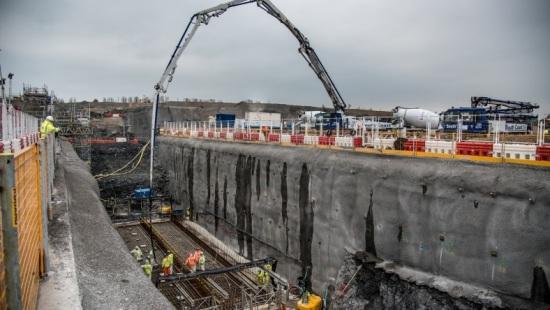 На Hinkley Point C изляха първия ядрен бетон