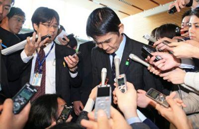 Ехо от земетресението през 2011 година – Премиерът на Япония уволни министър за пренебрежително отношение