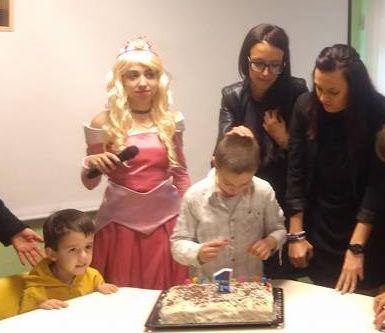 """Дневен център """"Дъга"""" за деца-аутисти навърши 1 година"""