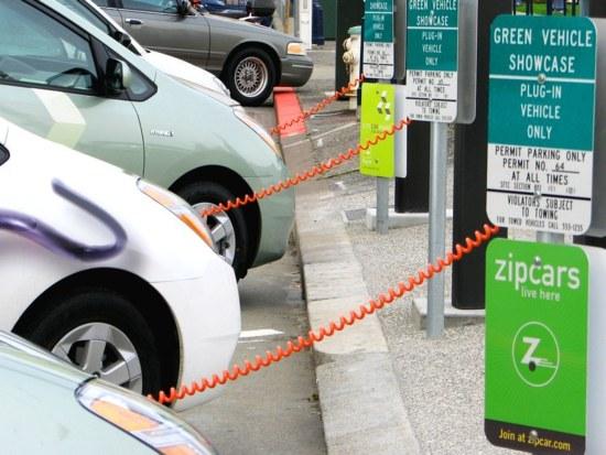 Международната енергийна агенция (IEA) ще преразгледа прогнозите за търсенето на нефт заради електротранспорта