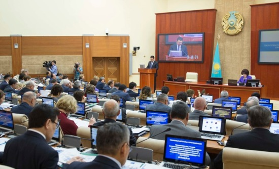 Казахстан – Парламентът обсъди развитието на урановата промишленост