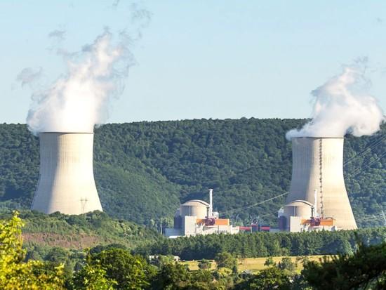 Франция възнамерява да разработи сценарий на реформи в ядрената енергетика