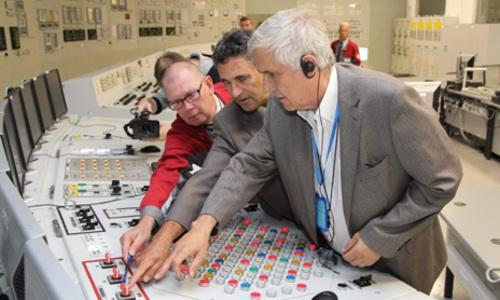 Дипломати от над 40 държави посетиха Ленинградската АЕЦ
