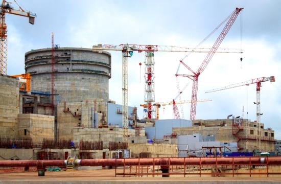 На строящия се блок №1 на Ленинградската АЕЦ са монтирани приводите на системата за управление и защита на реактора (СУЗ)