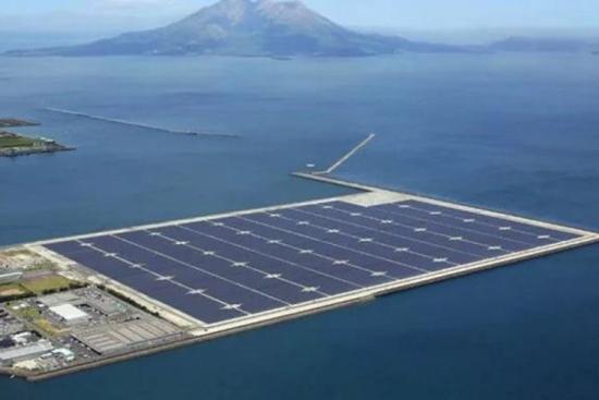В Китай заработи най-голямата плаваща слънчева електроцентрала