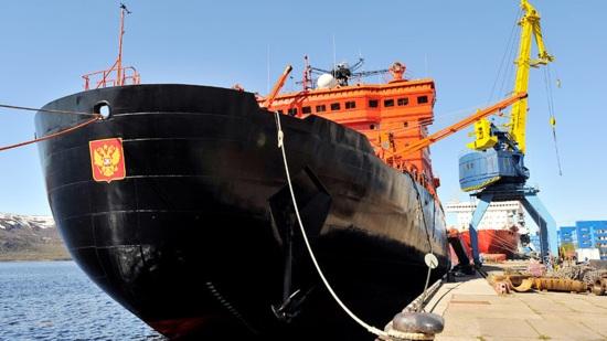 Русия – Правителството разглежда възможността да осигури целогодишна навигация в района на Арктика като поръча още атомни ледоразбивачи