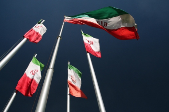 Иран заплашва да ускори ядрената си програма в случай, че САЩ се оттеглят от споразумението
