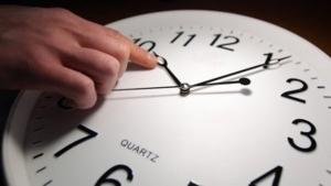 ЕС обсъжда въпроса за отмяна на лятното часово време
