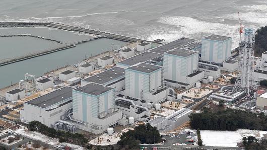 """В Япония е създаден робот-змей за изследване на АЕЦ """"Фукушима-2"""""""