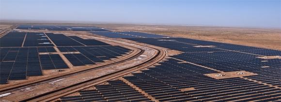 Индия ще реализира най-големия проект за слънчева&вятърна хибридна електроцентрала в света
