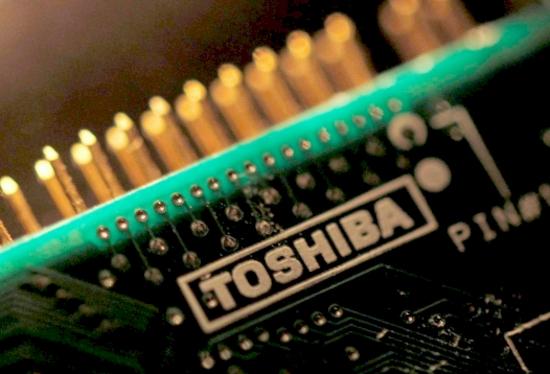 Toshiba обмисля първично публично предлагане на бизнеса си с чипове-памет