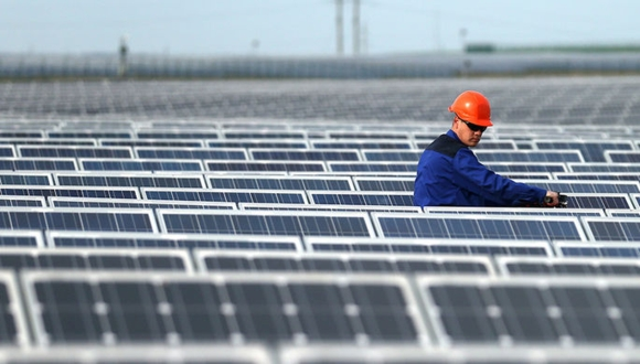 САЩ – Тръмп въведе 30% вносно мито за слънчевите панели