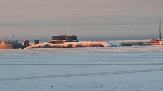 Росатом определи сроковете за утилизиране реакторите на най-голямата подводница – Акула