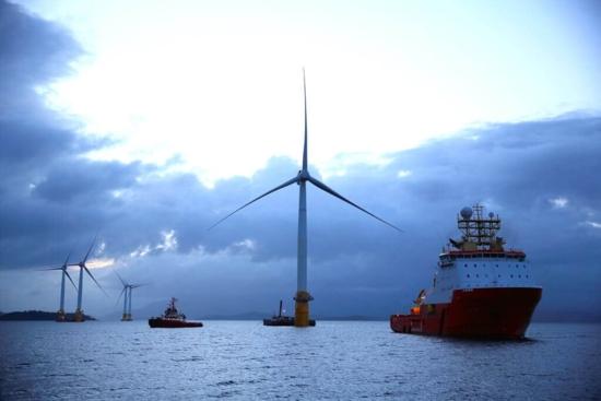 Първите в света плаващи вятърни турбини показват по-голяма ефективност от очакваната