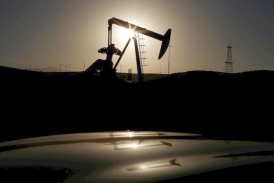 IEA увеличи прогнозата за глобалното търсене на нефт през 2018 година