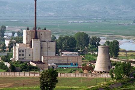 Разузнавателни данни: Северна Корея извършва изпитания на ядрения реактор в Йонбьон