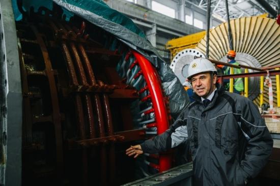 На втори енергоблок на Нововоронежската АЕЦ-2 започна сглобяването на турбогенератора