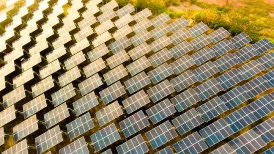 В Саудитска Арабия искат да построят най-голямата слънчева ферма в света