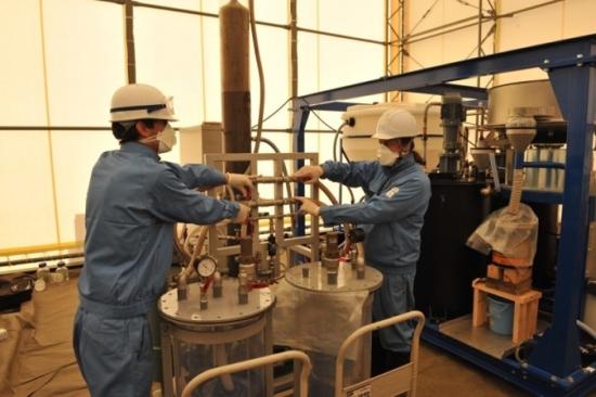 Нова френска технология за обеззаразяване на радиоактивна почва изпитват в района около АЕЦ Фукушима-1