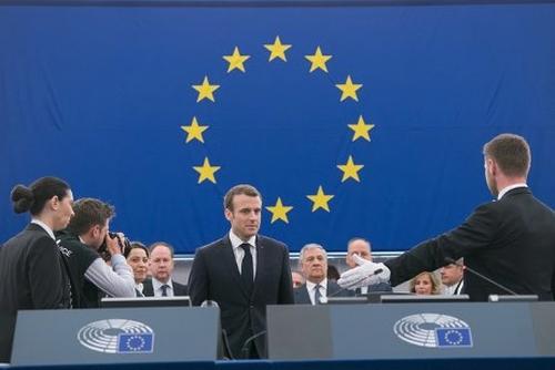 Макрон – Европа трябва да даде приоритет на намаляването на емисиите