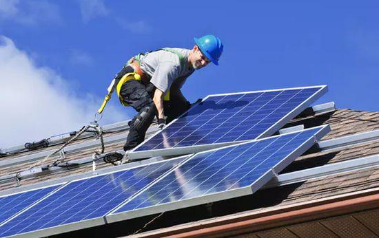 САЩ – Калифорния направи слънчевите панели задължителни за новите домове