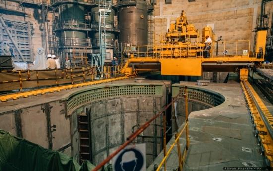 Нововоронежска АЕЦ-2 – Започна зареждането на активната зона на реактора ВВЭР-1200 на втори енергоблок с касети-имитатори