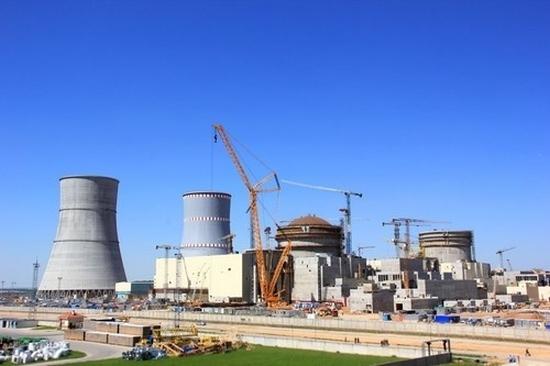 Беларуска АЕЦ – на първи енергоблок завърши монтажът на вентилационната тръба