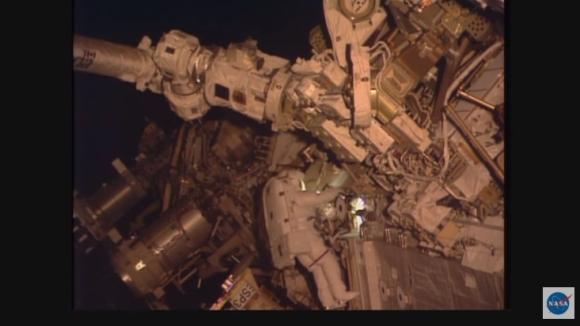 Космонавтите не трябва да се страхуват от експлозия на батериите на МКС – експертите смятат, че вероятността е 1: 1 000 000.