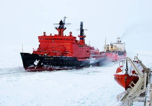 """""""Атомфлот"""" – Трафикът по северния морски път се е увеличил с 1/3 през 2017 година"""