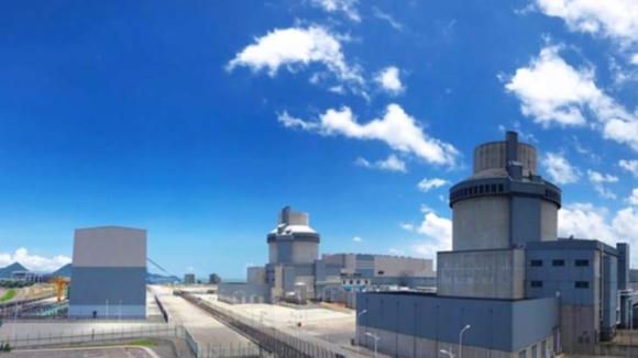 Първият реактор AP1000 в света влиза в търговската експлоатация