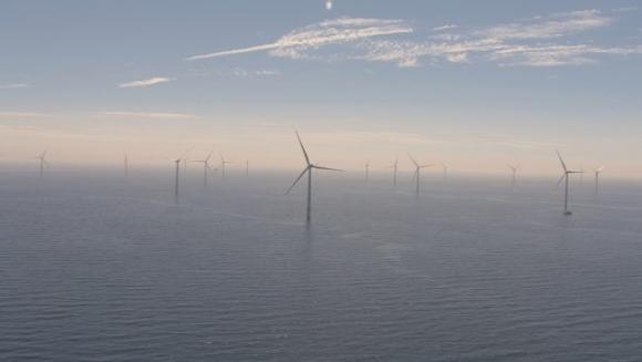 В офшорната зона на Великобритания заработи най-голямата вятърна електроцентрала в света