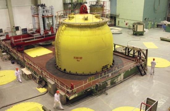 НВАЕЦ – След мащабна модернизация с цел ПСЕ реакторът на 4 блок е отново зареден с ядрено гориво
