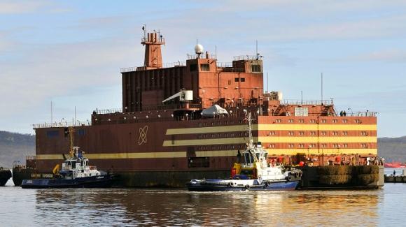 """Плаващ атомен енергиен блок """"Академик Ломоносов"""" – енергиен пуск на дясната реакторна установка"""