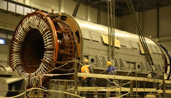 Беларуска АЕЦ – Започнаха ключовите монтажни дейности в машинна зала на втори енергоблок