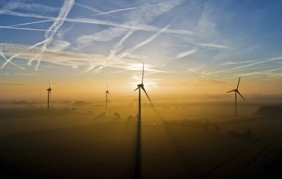 Великобритания – Възобновяемата енергетика чупи рекорди чрез нови вятърни паркове