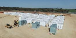 Тесла планира да инсталира нови масивни стационарни батерии в Калифорния