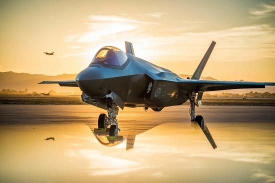 Американските военновъздушни сили възнамеряват да оборудват изтребителите с лазерни оръжия в началото на 2020-те години