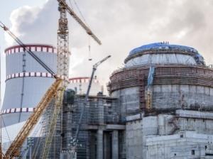 На втори енергоблок на Ленинградската АЕЦ-2 е доставена вътрешно-корпусната шахта на реактора