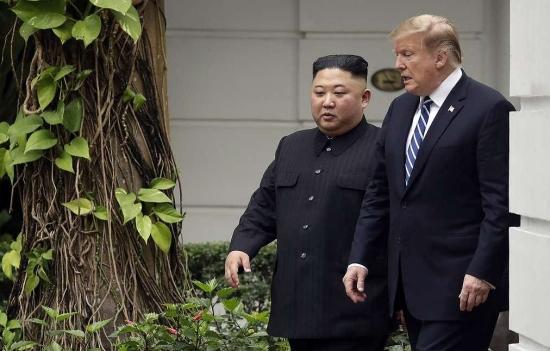 Тръмп на преговорите в Ханой е помолил Ким Чен Ун да прехвърли ядрените оръжия на КНДР в САЩ