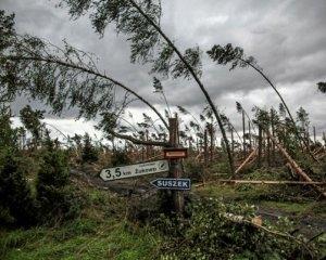 Полша – Бушуващият ураган остави без ток почти 150 хиляди души
