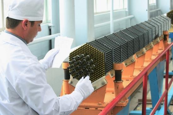 Казахстан въвежда в експлоатация завод за производство на ядрено гориво за АЕЦ до края на годината