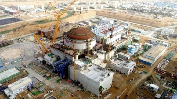 """Пакистан – Поставиха външния защитен купол на Втори енергоблок на АЕЦ """"Карачи"""""""