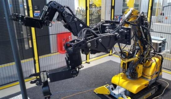 Робот с полуавтоматично управление подпомага демонтажа на ядрени ректори при извеждането на АЕЦ от експлоатация