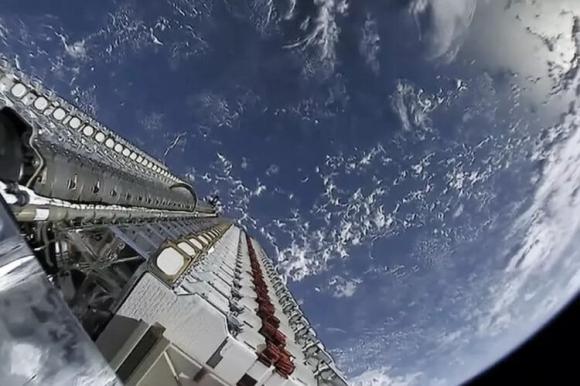 SpaceX вече загуби три спътника Starlink