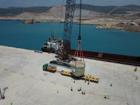 """Турция – На площадката на строящата се АЕЦ """"Аккую"""" пристигна първото едрогабаритно оборудване"""
