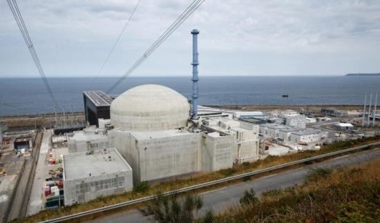 "Френското правителство дава на ЕФР едномесечен срок да реагира на недостатъците на ""Фламанвил-3"""