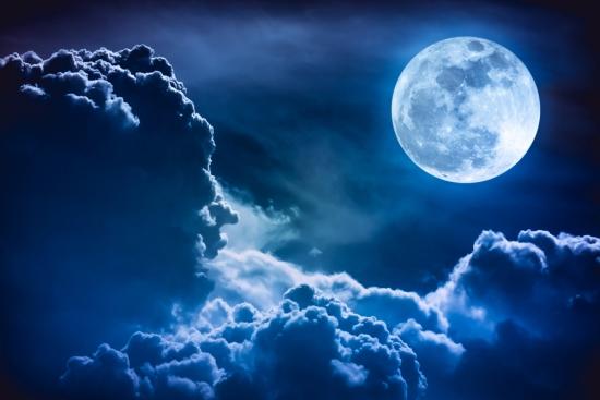Китай: Който първи покори Луната, той и ще спечели