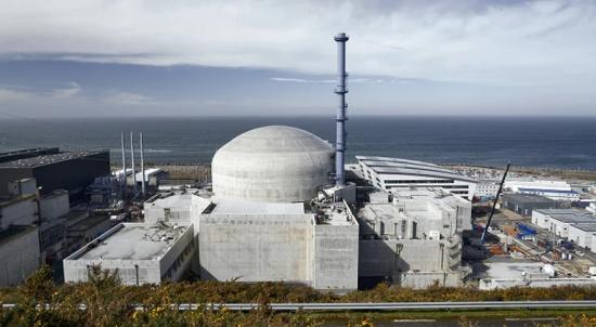 """Франция / На EDF ще са необходими """"12 -15 години"""" до пускането на първата двойка енергоблокове с EPR-2"""