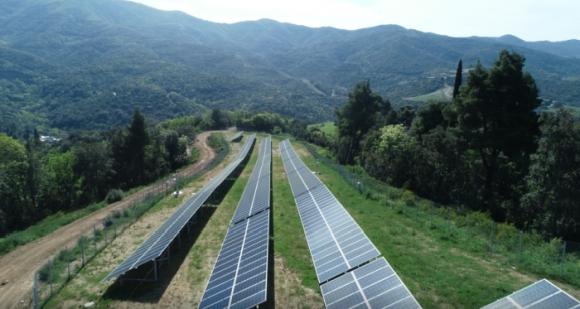 Гърция – В планината Атон (Света гора) изградиха микромрежа от слънчеви панели, дизелови генератори и системи за съхранение на електроенергия